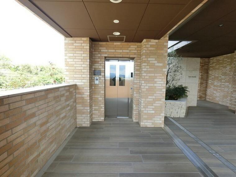 外観・現況 各階停止エレベーター完備のマンションです