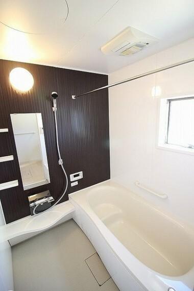 浴室 ・建設中の為同仕様写真を使用しております。