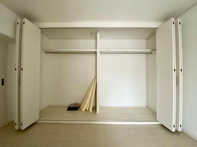 収納 収納スペ-スがあるので、お部屋がスッキリ片付きますね