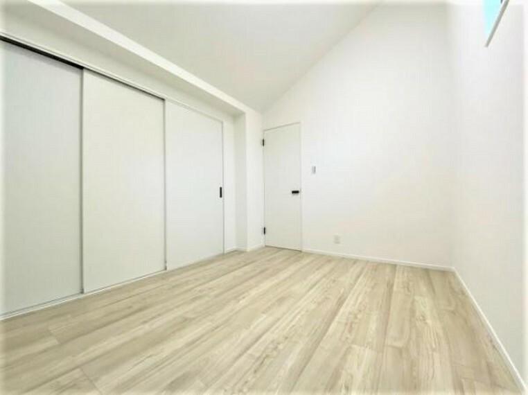 寝室 フローリングがキレイなお部屋