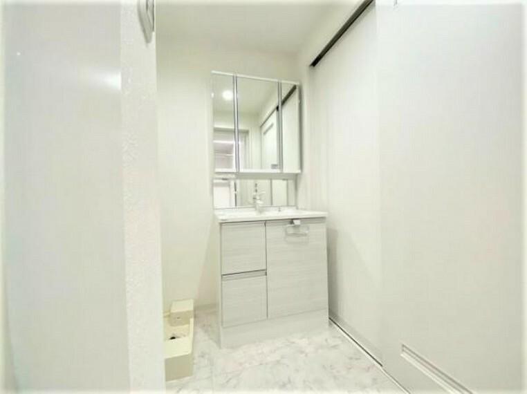洗面化粧台 収納スペースが多い洗面台
