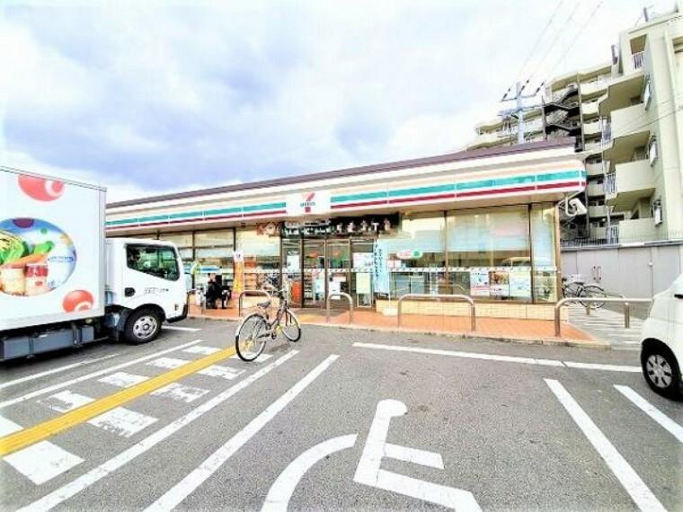 コンビニ セブンイレブン 堺東上野芝町2丁目店