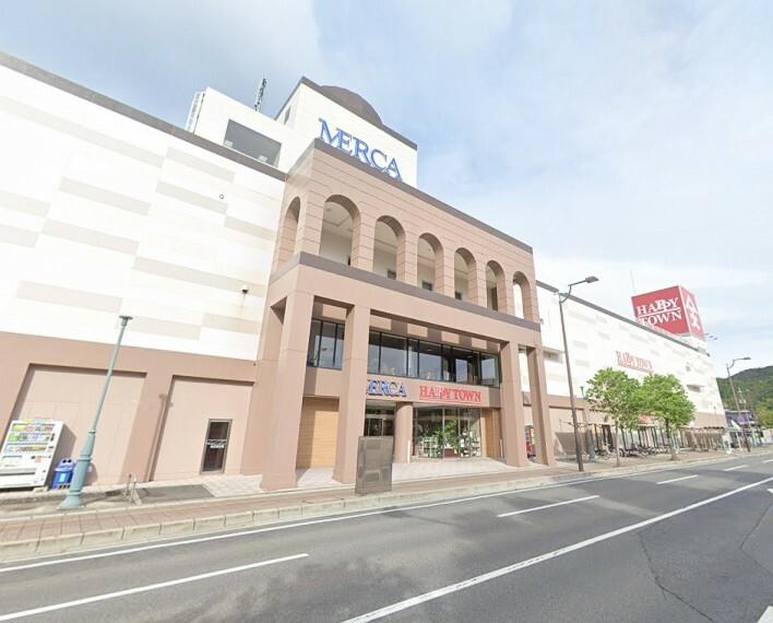 ショッピングセンター 玉野市の中心地にある商業施設です 図書館やキッズパークなども入っています