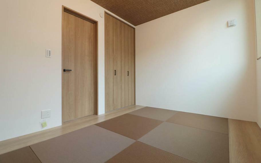 和室 施工例■3階の和室は収納も充実させ、お布団や季節ものの衣服なども片付けられます。