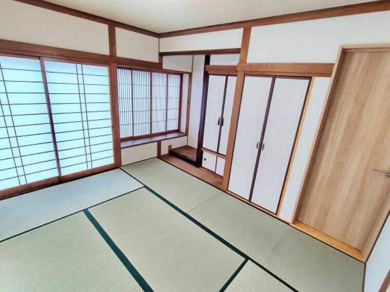 脱衣場 【リフォーム後写真】1階LDK横の和室です。畳を表替え、障子と襖の張り替えを行いました。イグサの香りに癒される、居心地のいい部屋に仕上げました。