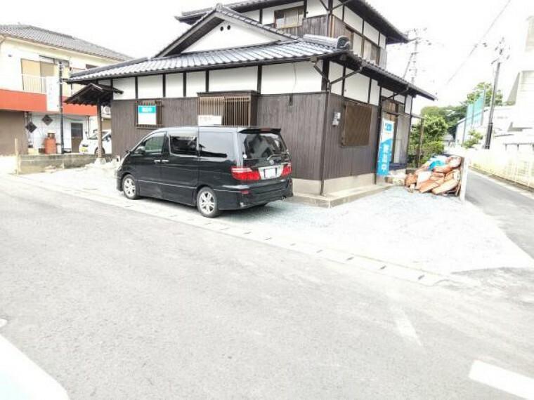 外観写真 【リフォーム中】拡張して駐車場合計3台になります。