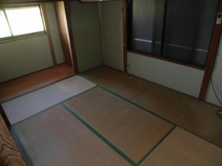 【リフォーム中】和室から洋室へ変更予定です。各居室に収納があるので、便利です。