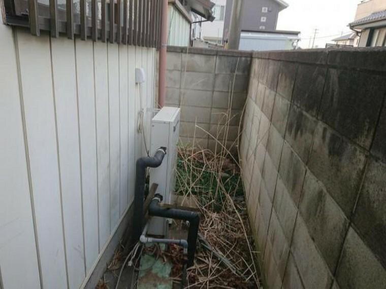 発電・温水設備 【プロパンガス】この住宅のガスはプロパンガスです。プロパンガスは熱量の強さと、都市ガスと比べた災害時の復旧の早さが強み。給湯器や、宅内の給湯パネルは新品に交換しますので安心してお住まい頂けます。