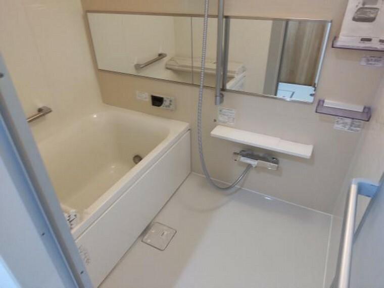 浴室 【リフォーム済】浴室はユニットバスに新品交換しました。浴室乾燥機付きですので、季節を問わず大活躍しますよ。