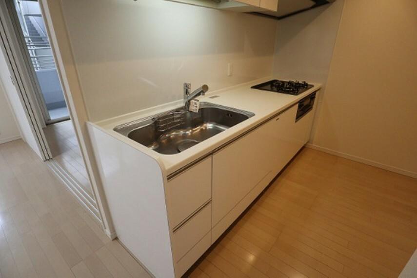 キッチン 汚れがお掃除しやすい壁付キッチンを採用しました