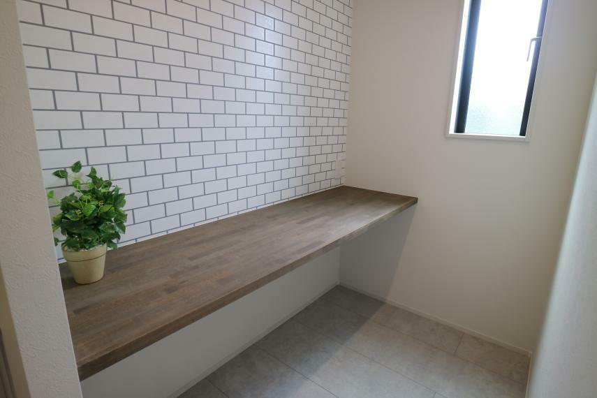 キッチン キッチン裏には家事スペースもご用意