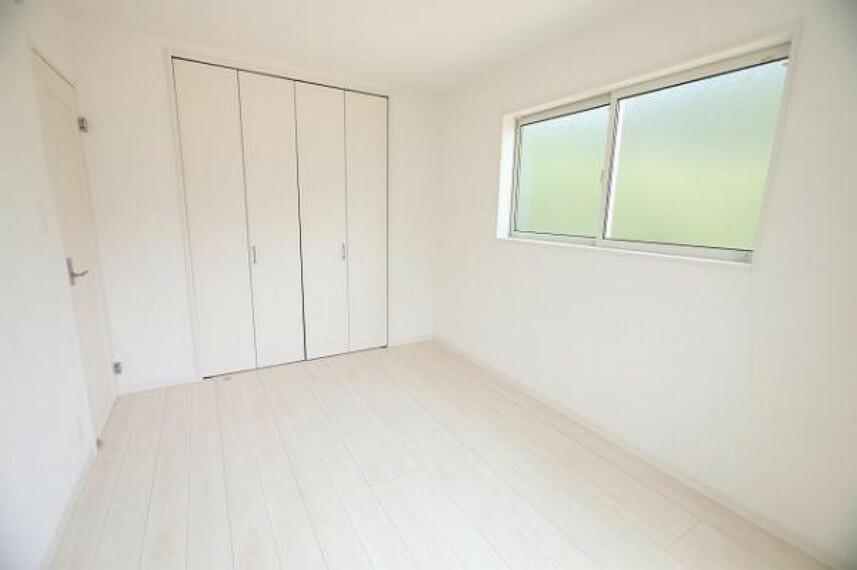同仕様写真(内観) \同仕様写真/全室洋室で日々のお掃除もラクラク