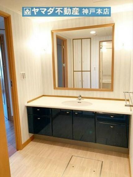洗面化粧台 ホテルライクな洗面室です。