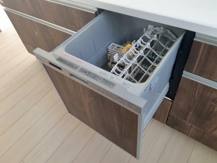 キッチン 食洗機付きなのでお家ごはんの多い今もうれしい時短に