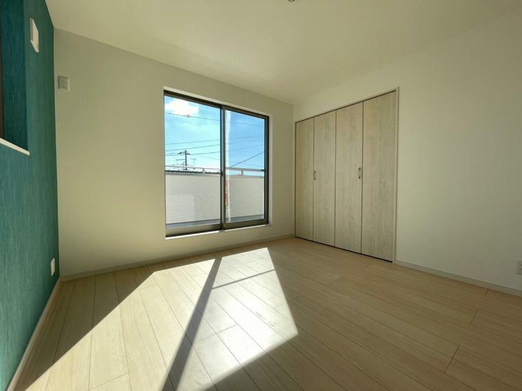 洋室 各居室にも収納完備 毎日綺麗なお部屋を保てます
