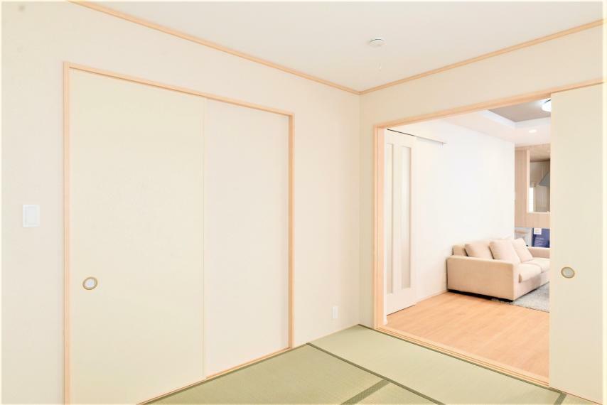 和室 しっとりと落ち着いた雰囲気の和室。