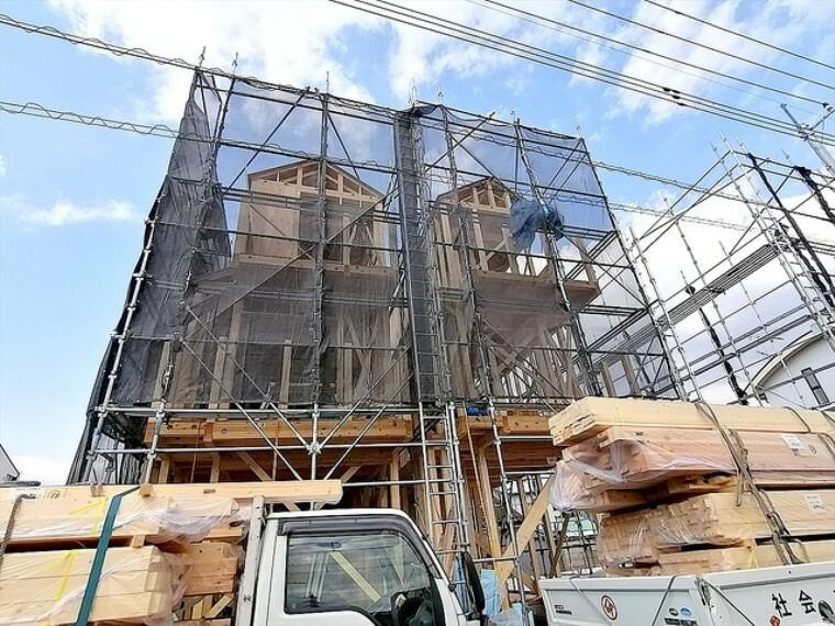 現況外観写真 建物の基礎・構造といった目には見えにくい部分もしっかりこだわったお家です。安心して永くお住まいいただけます。 ■府中市白糸台1 新築一戸建て■