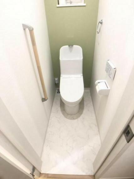 トイレ トイレには快適な温水洗浄便座付き