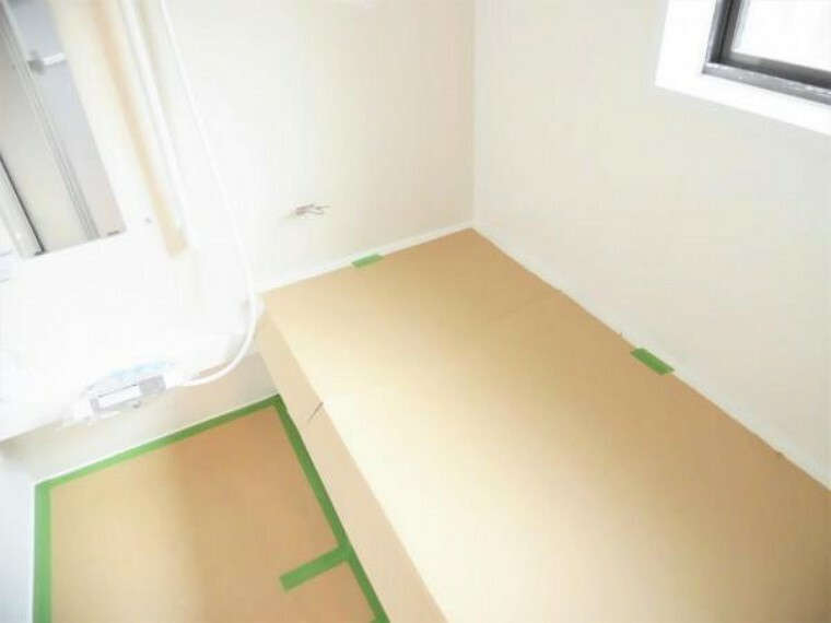 浴室 【リフォーム中写真】お風呂の写真です。既存のお風呂を撤去してハウステック製の1坪タイプのユニットバスに新品交換を行います。毎日使う水回りは新品が嬉しいですよね。