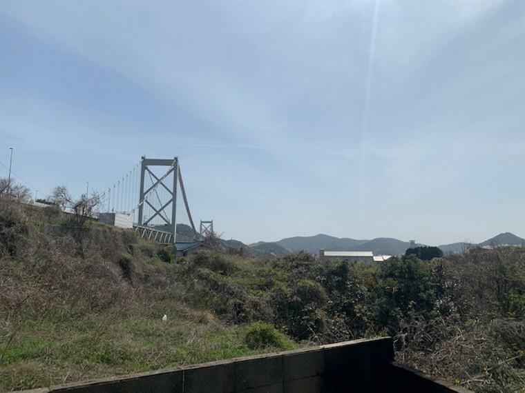 眺望 関門橋も見えます
