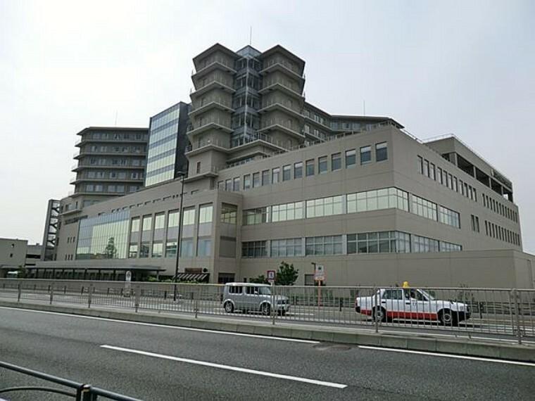 病院 済生会東部病院(横浜市の中核病院として診療科数31、救命救急センター、集中治療センターなどがある総合病院。)