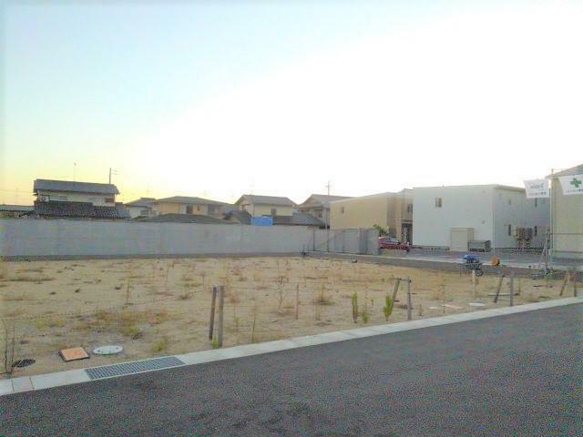 現況写真 駐車場も確保できる77坪!