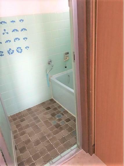 浴室 2019年に新品と交換済みでキレイです!