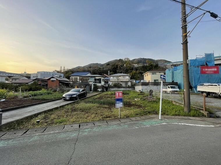 現況写真 小田急「新松田」駅より徒歩約10分の立地です。