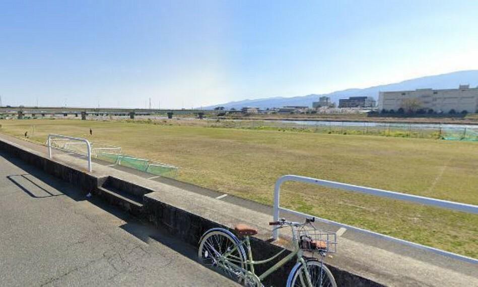 (松田町酒匂川町民親水広場)松田町酒匂川町民親水広場