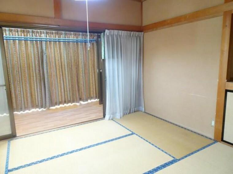 【リフォーム中】南東側和室。こちらは洋室に変更致します。床はフローリング張、壁・天井クロス貼り替えます。