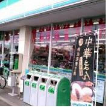 コンビニ 【コンビニエンスストア】ファミリーマート 石田那珂町店まで486m