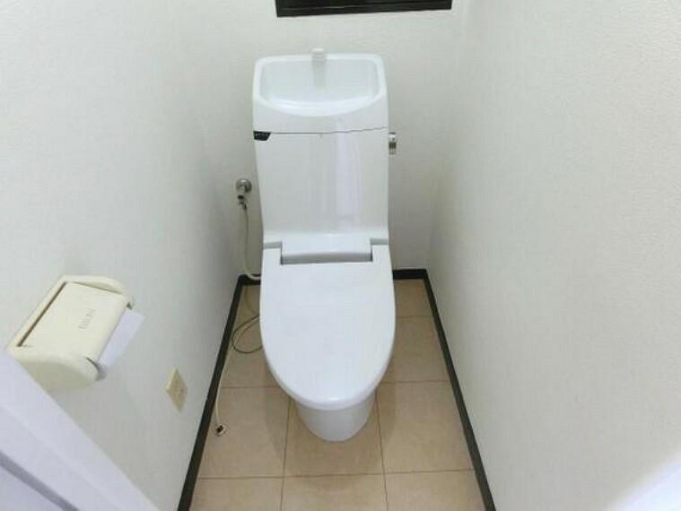 トイレ 快適にお使い頂ける清潔感のあるトイレです。