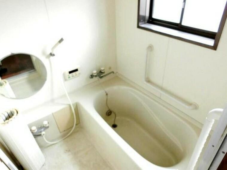 浴室 1坪タイプの浴室はゆったりとした広さで、日々の疲れも癒されます。