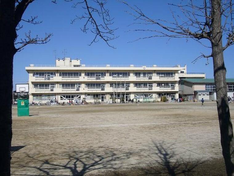 小学校 【小学校】越谷市立川柳小学校まで593m