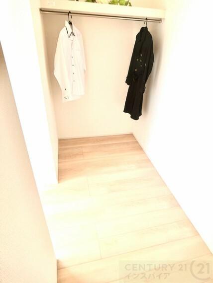 洋室 2F主寝室は大きなWICです! 同社他物件の写真です、参考にして下さい!