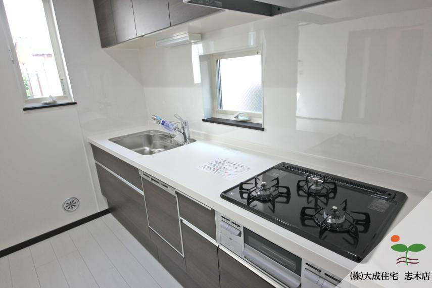 キッチン 家事が時短になる食洗機付きのキッチンです^^ 1号棟:現地写真2020.6.18撮影