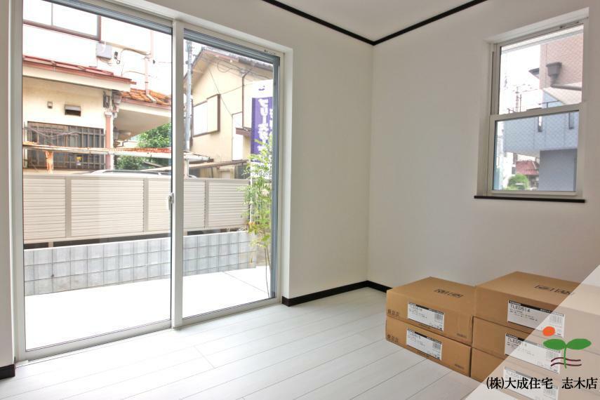 洋室 居室としても利用可能な納戸です^^ 1号棟:現地写真2020.6.18撮影