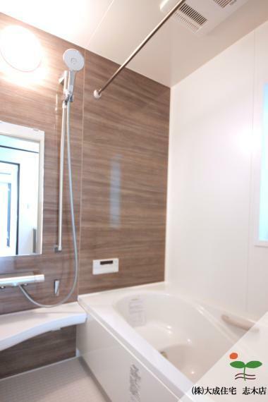 浴室 浴室換気暖房機付きのUB^^ 1号棟:現地写真2020.6.18撮影