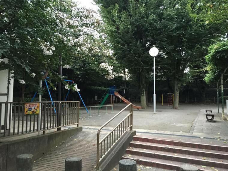 公園 奥沢二丁目公園まで518mです。