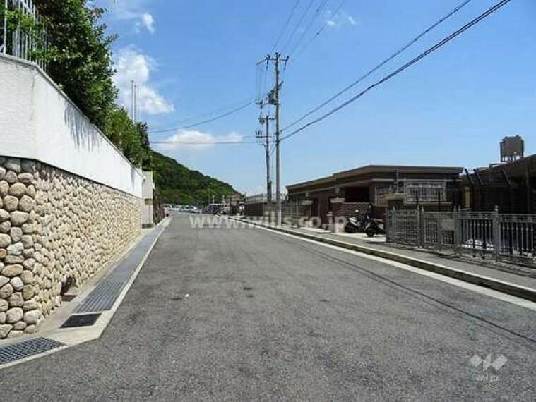 現況写真 敷地北側の前面道路(西側から)
