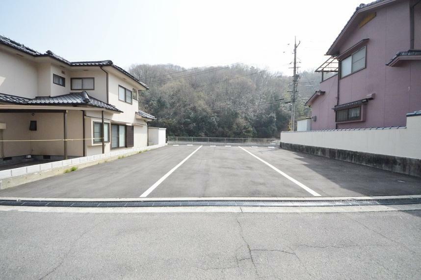 現況外観写真 カースペース縦列駐車可能