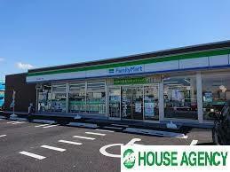 コンビニ ファミリーマート北名古屋六ツ師店
