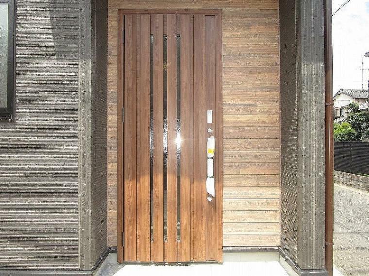 玄関 玄関 (2021年6月21日撮影)