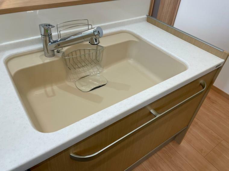 キッチン 浄水器付きです。