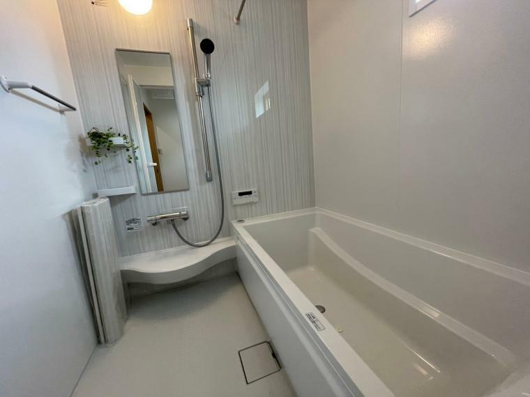 浴室 寒い冬はあらかじめ浴室を温めておける暖房機能が大活躍なバスルームです
