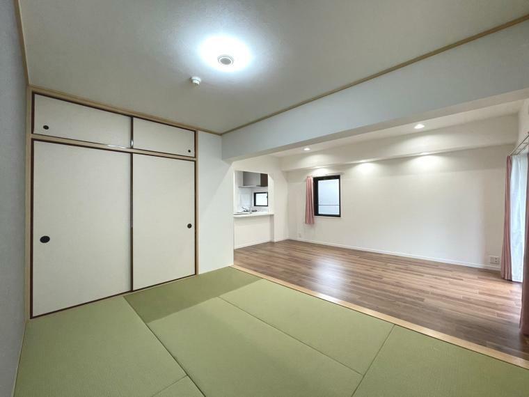 和室 リビングと繋がっていて、開放感があります
