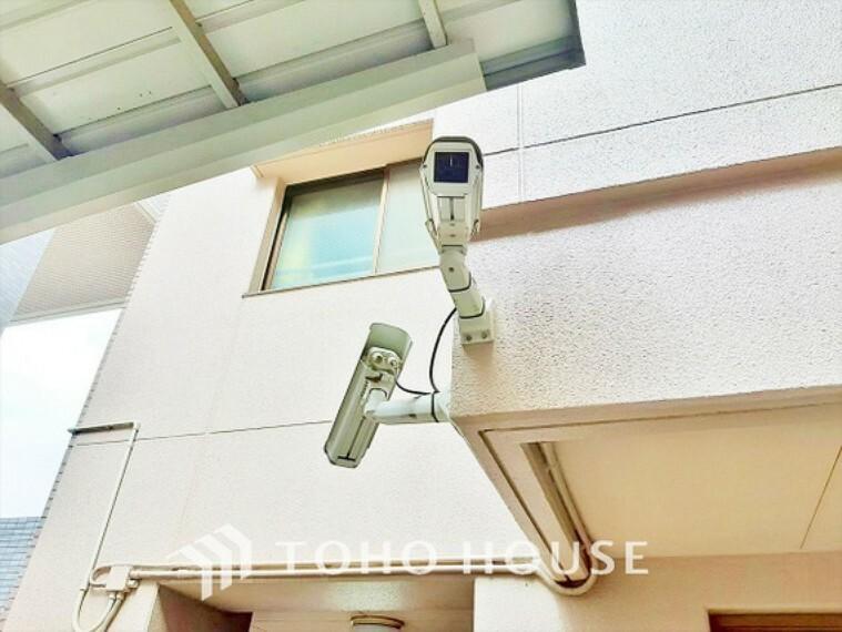 エントランス(外) 防犯カメラ設置でセキュリティーもばっちり