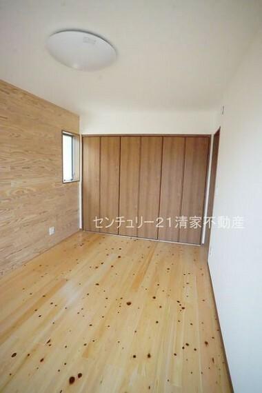 洋室 B号棟:全居室収納ありで住空間スッキリ!(2021年07月撮影)