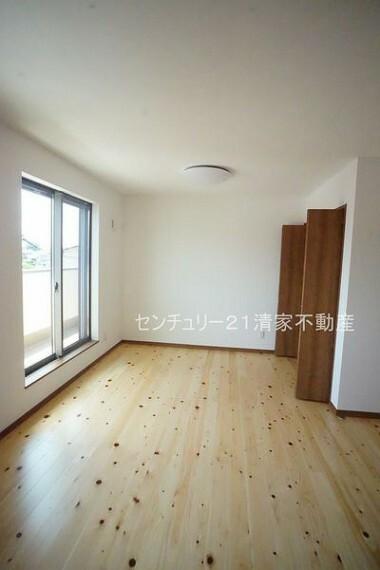 洋室 B号棟:子供部屋にも嬉しい全居室収納スペース(2021年07月撮影)