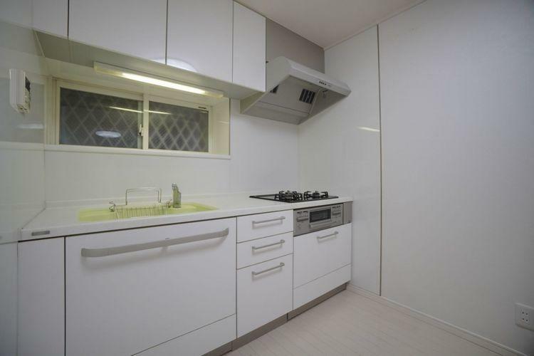 キッチン I型キッチンは使い勝手がよく、清潔な印象です。